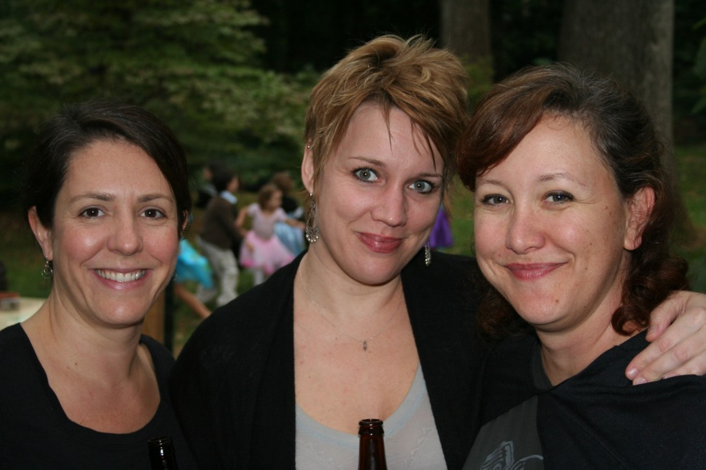 Lucy, Nessa, and Moi. Still seems strange to me that I have girlfriends.
