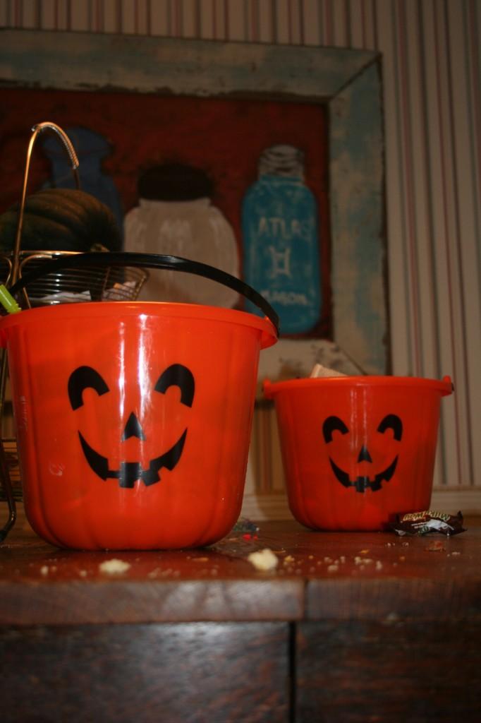 Punk King Buckets