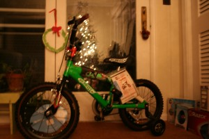 Rollie got a Hot Wheels bike from Santa. I love that green color.