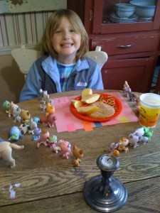 Tills with Littlest Pet Shops at Lunch